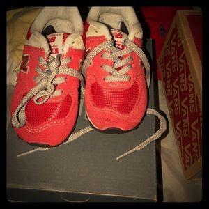 Kids shoes size 4